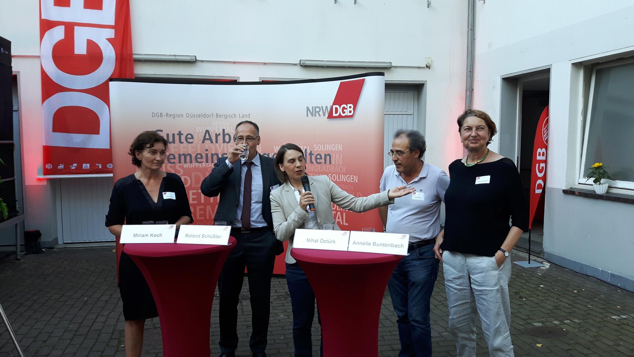 V.l.n.r. Miriam Koch, Roland Schüßler, Antonia Kühn, Nihat Öztürk, Annelie Buntenbach